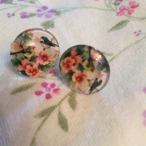 Jewelry - Pretty floral and bird stud earrings